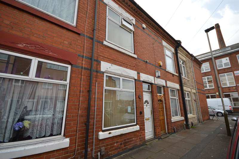 3 Bedrooms Terraced House for sale in Woodland Road, Leicester, LE5 3PH