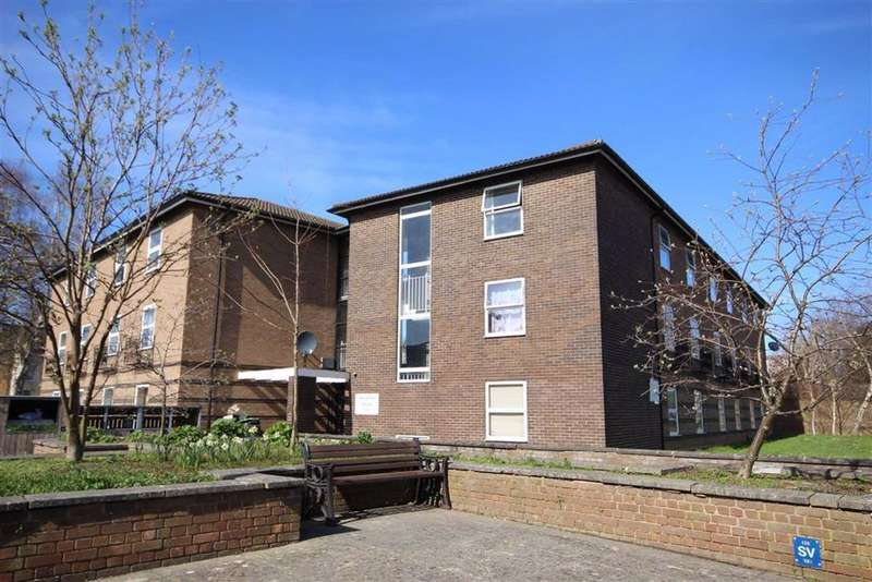 2 Bedrooms Flat for sale in Painswick Road, Tivoli, Cheltenham, GL50