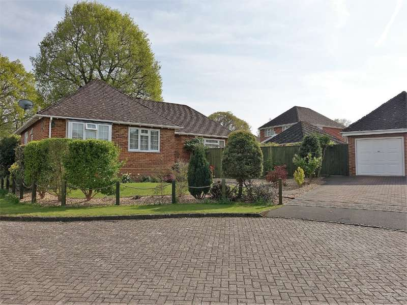 3 Bedrooms Detached Bungalow for sale in Mountfield, Hythe
