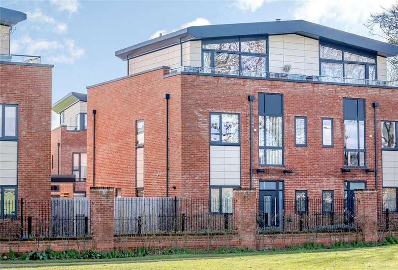 5 Bedrooms Semi Detached House for sale in Teeton Mill Place, Newbury, Berkshire, RG14