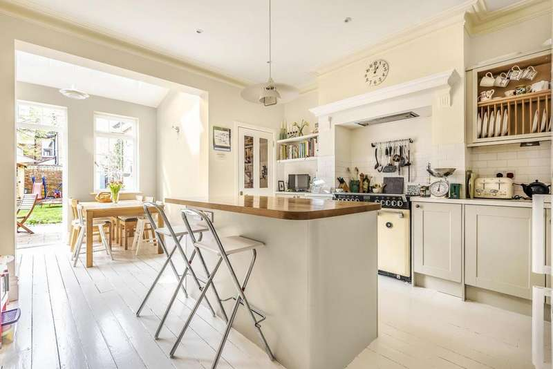 5 Bedrooms End Of Terrace House for sale in Danecroft Road, Herne Hill
