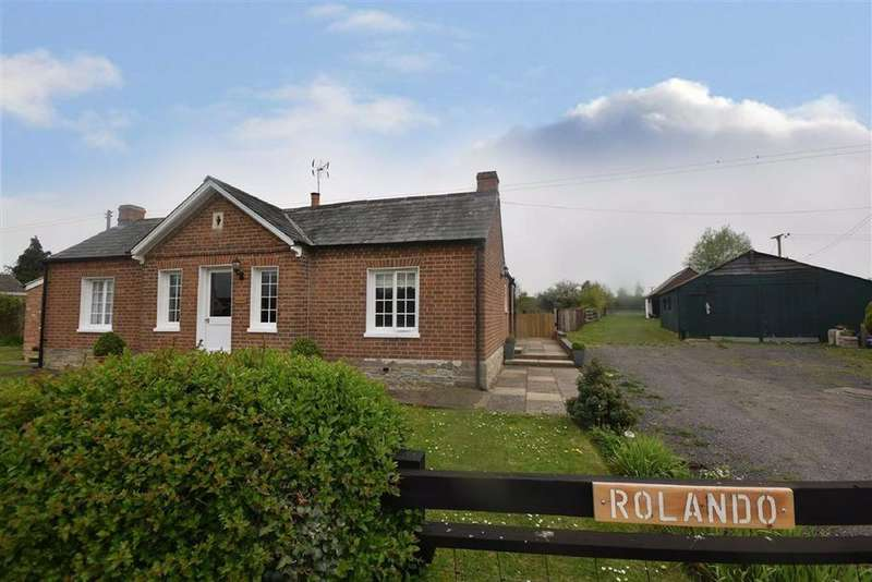 3 Bedrooms Detached Bungalow for sale in Ledbury Road Crescent, Staunton, Gloucestershire