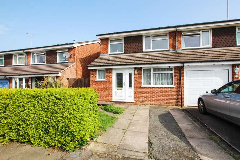 3 Bedrooms Semi Detached House for sale in Pennivale Close, Leighton Buzzard