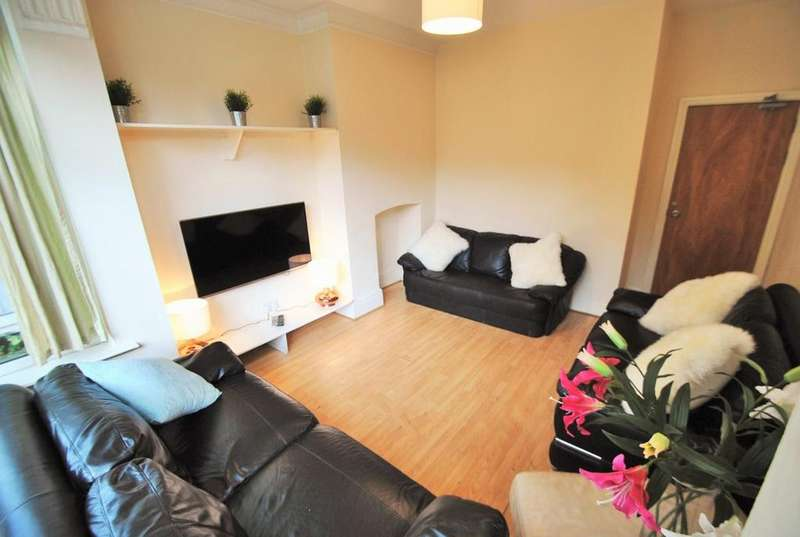 10 Bedrooms House for rent in birchfields road, victoria ark, manchester M13