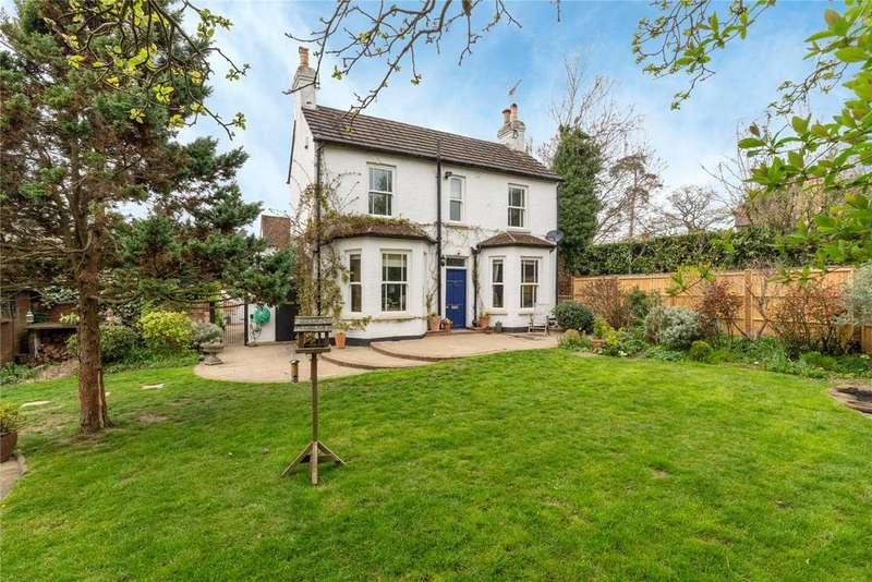 3 Bedrooms House for sale in Crispin Way, Farnham Common, Buckinghamshire