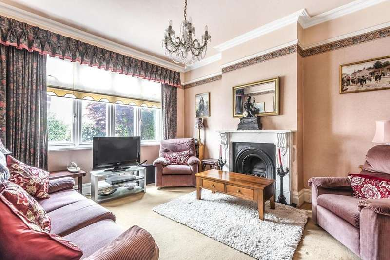 3 Bedrooms Terraced House for sale in Mantilla Road, Tooting