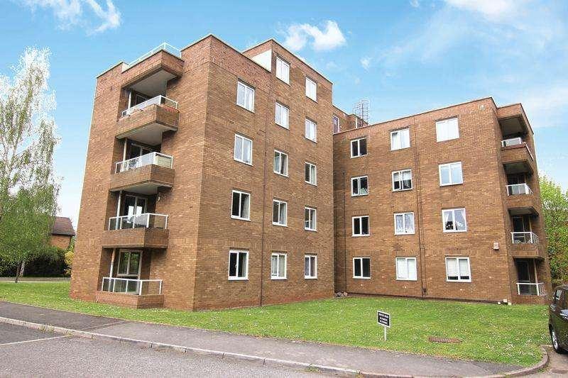 3 Bedrooms Apartment Flat for sale in Glenavon Park, Bristol