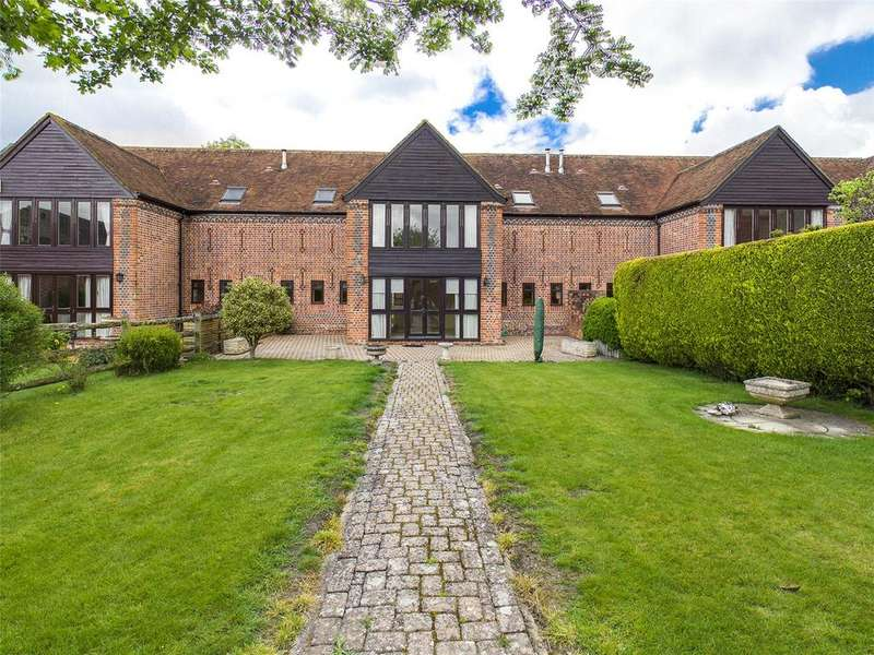 4 Bedrooms Terraced House for sale in Forsters Farm Court, Aldermaston, Reading, Berkshire, RG7