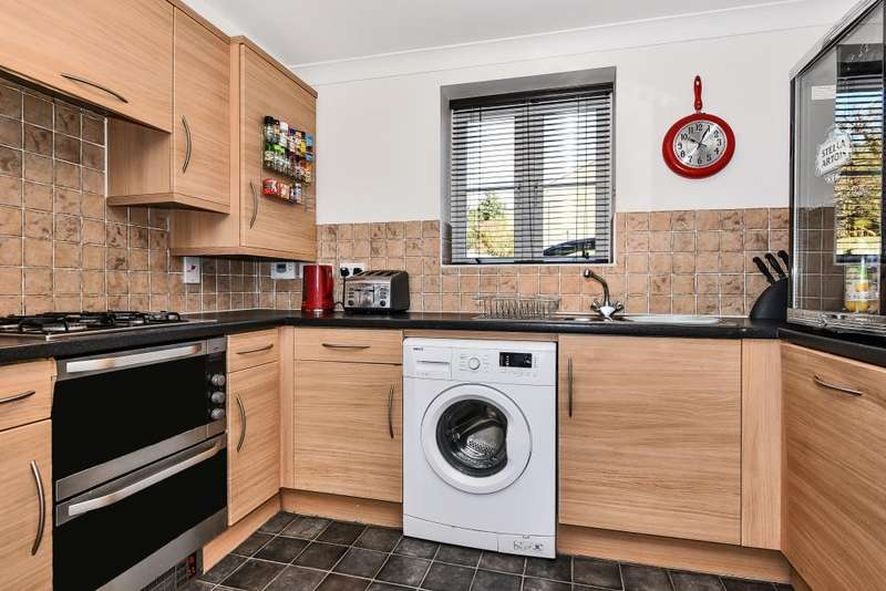 2 Bedrooms Apartment Flat for rent in 1 Highway Avenue, Maidenhead, SL6