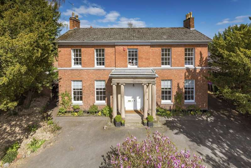 5 Bedrooms Detached House for sale in The Old Rectory, High Street, Newport, TF10 7BH