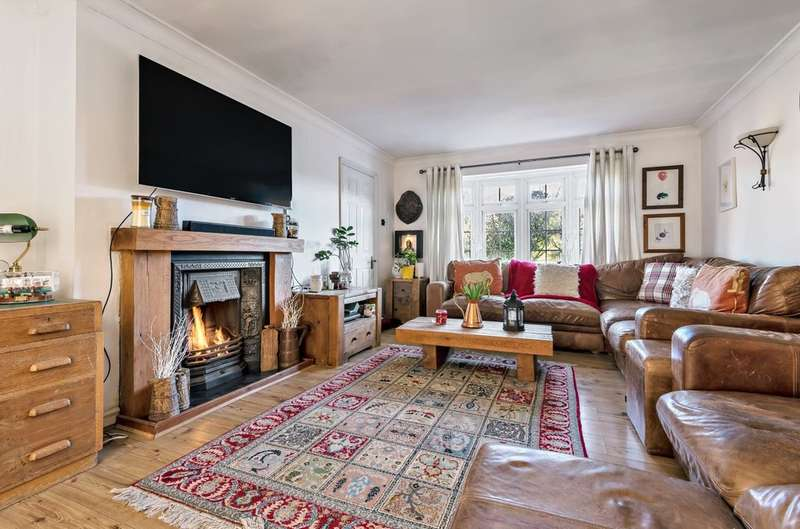 5 Bedrooms Detached House for sale in Kings Road, Biggin Hill, Westerham