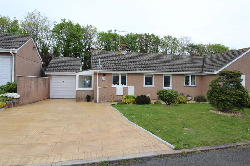 2 Bedrooms Semi Detached House for sale in Lamorna Park, Torpoint