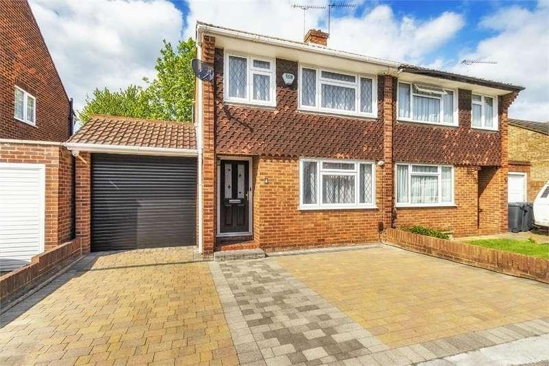3 Bedrooms Semi Detached House for sale in Mallard Drive, Cippenham, Berkshire