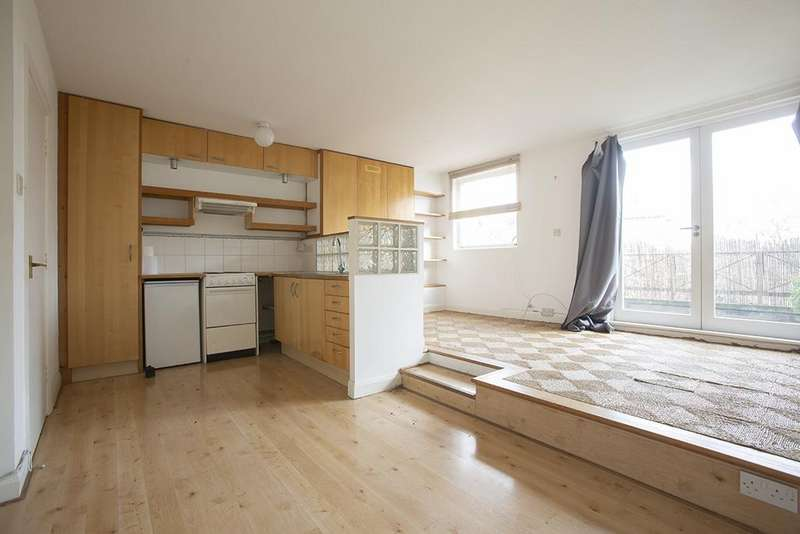 1 Bedroom Flat for sale in Broadway Market, Hackney, London E8