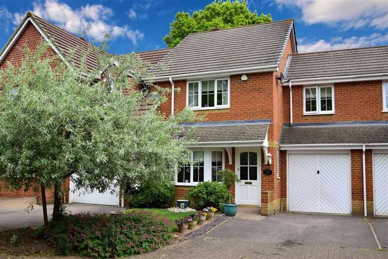3 Bedrooms Town House for sale in Orchard Grove, Caversham, Reading