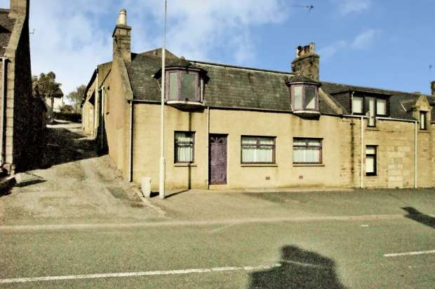 3 Bedrooms Semi Detached House for sale in High Street, New Pitsligo, Aberdeenshire, AB43 6NH