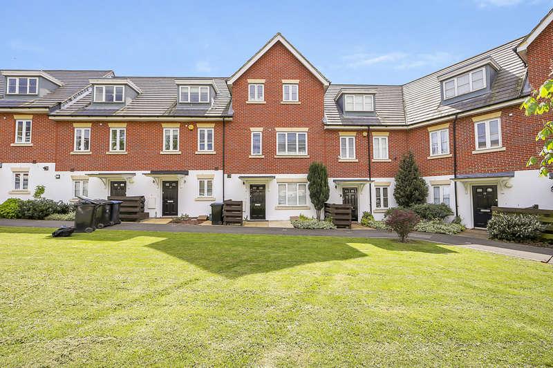 4 Bedrooms Terraced House for sale in Cross Way, London