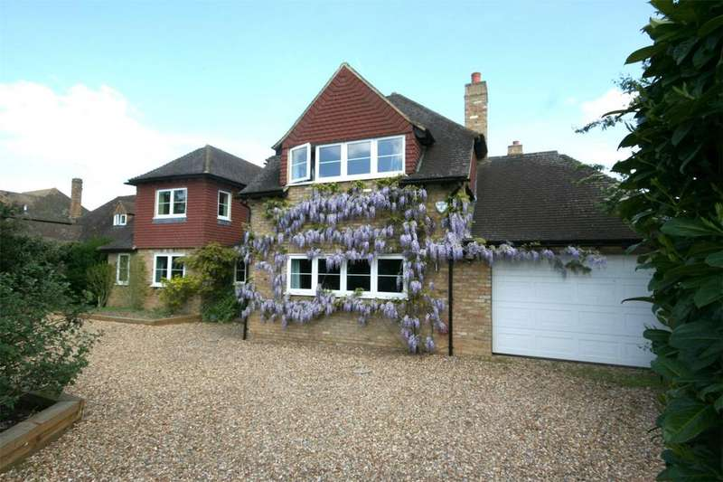 5 Bedrooms Detached House for sale in Mayflower Way, Farnham Common, Buckinghamshire