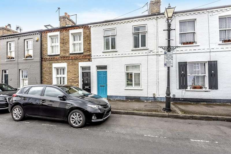 2 Bedrooms Terraced House for sale in Albert Street, Windsor, Berkshire, SL4