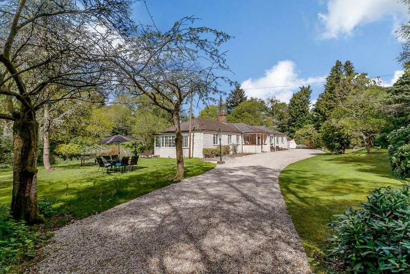 4 Bedrooms Detached Bungalow for sale in Slanting Hill, Hermitage, Berkshire