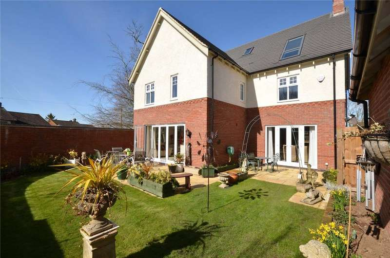5 Bedrooms Detached House for sale in James Way, Scraptoft, Leicestershire