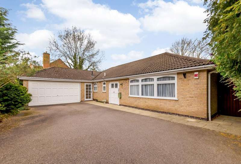 3 Bedrooms Bungalow for sale in St. Davids Crescent, Oadby, Leicester, Leicestershire, LE2