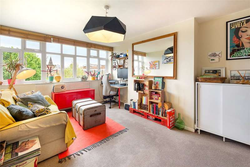 1 Bedroom Flat for sale in Harling Court, Burns Road, Battersea, London, SW11