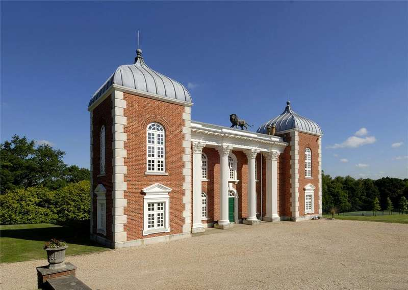 8 Bedrooms Detached House for sale in Chilsham Lane, Herstmonceux, Hailsham, East Sussex, BN27