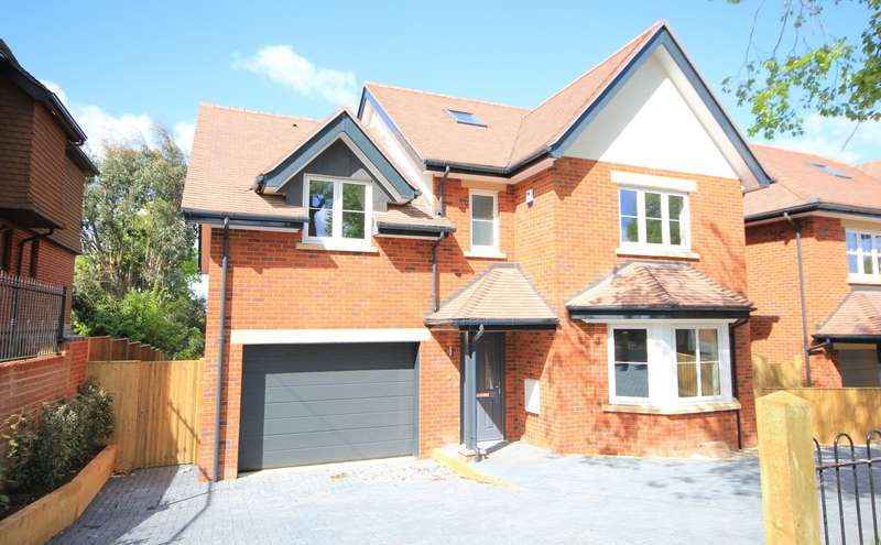 5 Bedrooms Detached House for sale in Northcourt Avenue, Reading, RG2