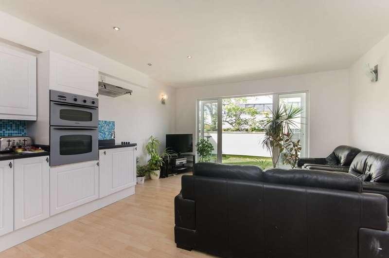 4 Bedrooms Flat for sale in Southwark Park Road, Bermondsey, SE16