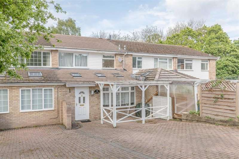 3 Bedrooms Terraced House for sale in Wolf Lane, Windsor
