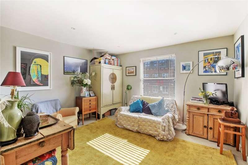 2 Bedrooms Flat for sale in Sewardstone Road, Bethnal Green, London, E2