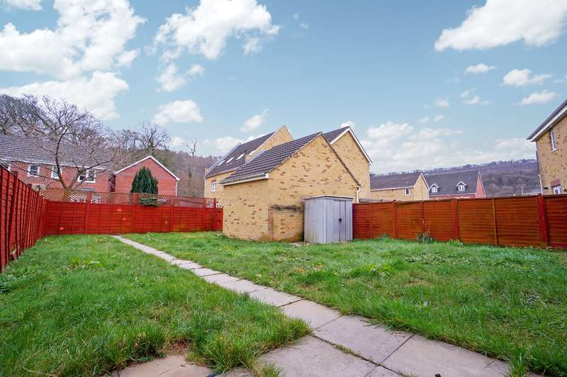 3 Bedrooms Detached House for sale in Coed Celynen Drive, Abercarn, Newport, NP11