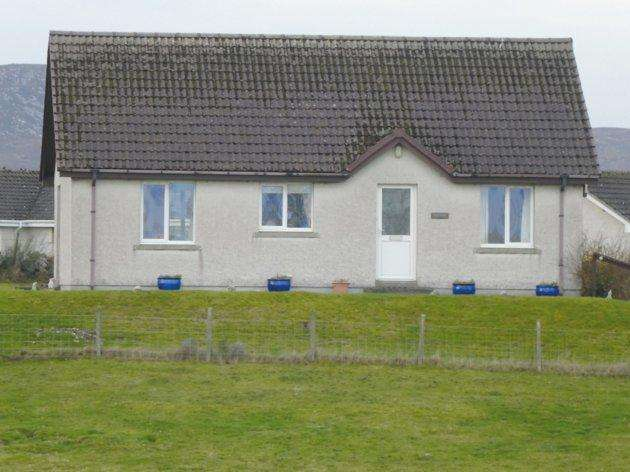 2 Bedrooms Detached Bungalow for sale in Tigh Beag The Doll Brora KW9 6NJ