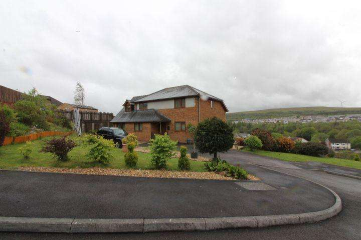4 Bedrooms Detached House for sale in Arches Close, Dukestown, Tredegar, NP22