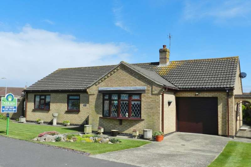 3 Bedrooms Detached Bungalow for sale in Church Close, Sutton-On-Sea, Mablethorpe, LN12