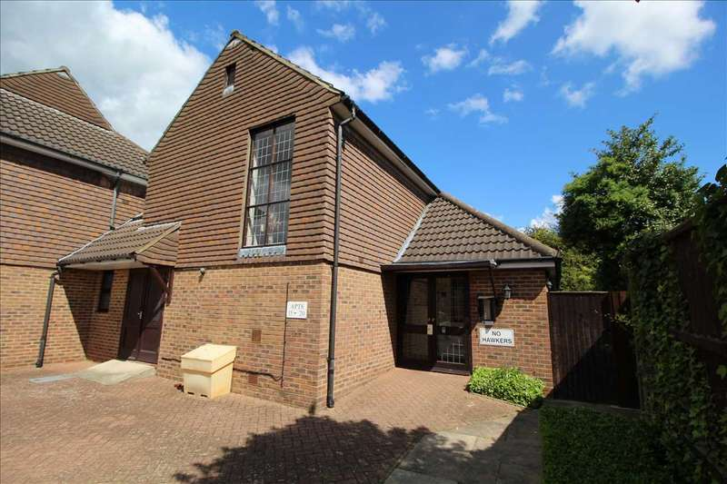 2 Bedrooms Retirement Property for rent in Brickstock Furze, Abbots Close, Brentwood