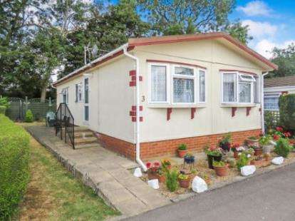 2 Bedrooms Mobile Home for sale in Hillcrest, Manor Road, Woodside, Luton