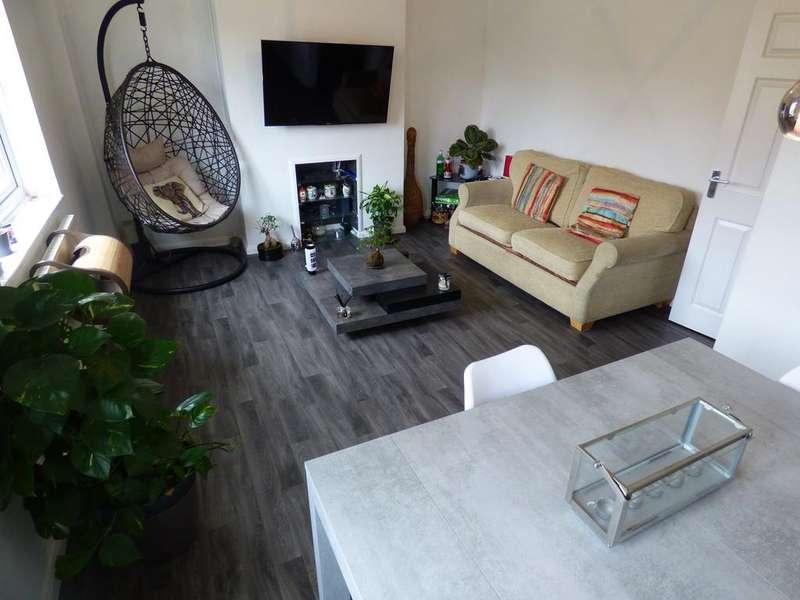 2 Bedrooms Maisonette Flat for rent in Beechwood Gardens, Slough, SL1