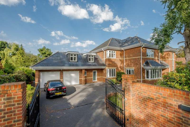 6 Bedrooms Detached House for sale in Monks Walk, Ascot
