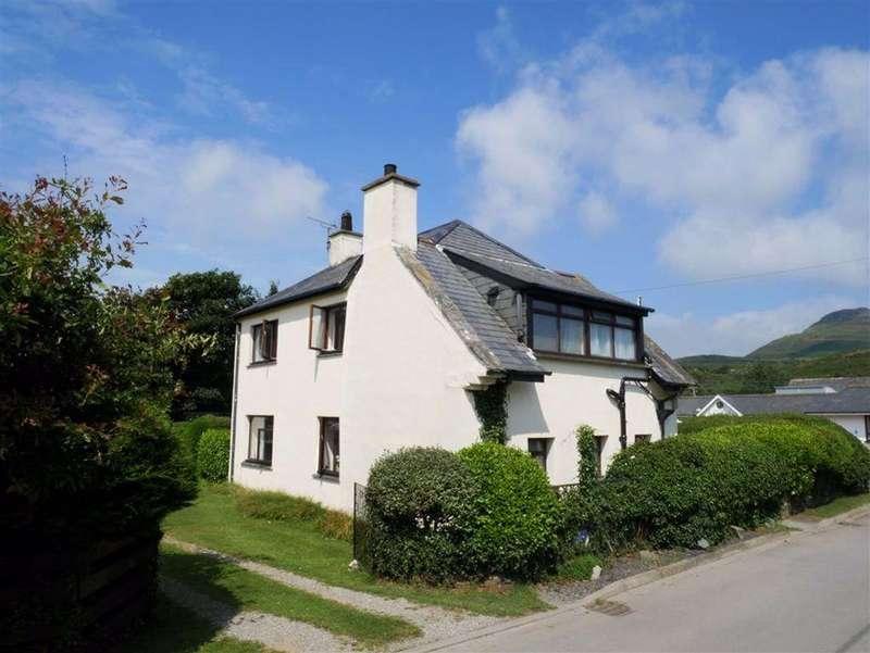 3 Bedrooms Detached House for sale in Morfa Bychan, Porthmadog, Gwynedd