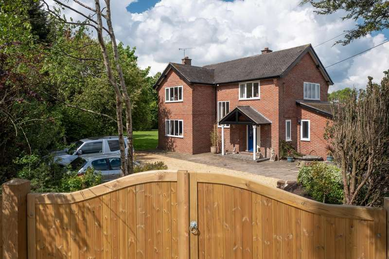 4 Bedrooms House for sale in 4 bedroom House Detached in Tarvin