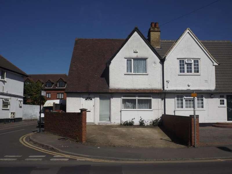 4 Bedrooms House for sale in Stoke Poges Lane, Slough, SL1