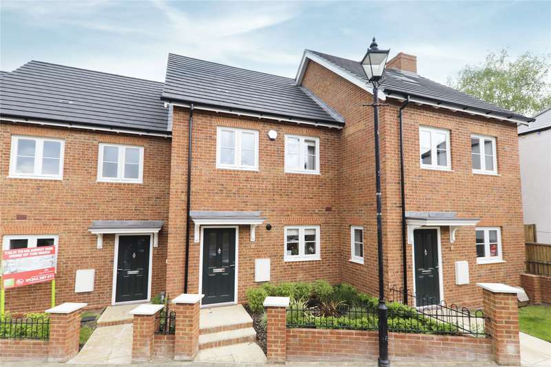 3 Bedrooms House for sale in Church Street, Crowthorne, Berkshire, RG45