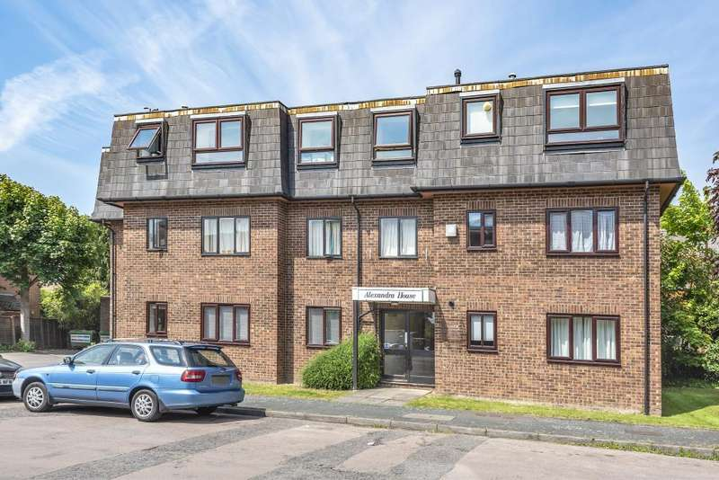 1 Bedroom Apartment Flat for rent in Alexandra Avenue, Camberley, GU15