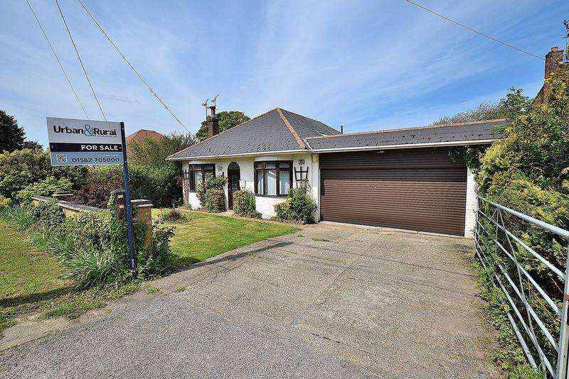 3 Bedrooms Bungalow for sale in DOUBLE Garage, UNRIVALLED Views, Three DOUBLE Bedrooms...