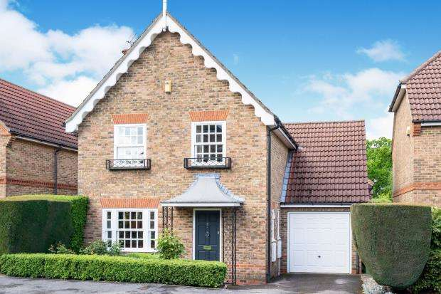 4 Bedrooms Detached House for sale in Winkfield Row, Berkshire, .
