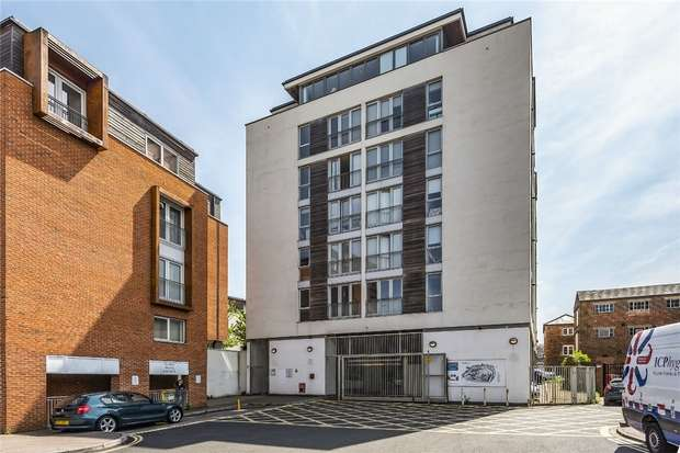 1 Bedroom Flat for sale in Castle Quay, Castle Lane, Bedford