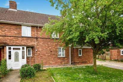 3 Bedrooms Semi Detached House for sale in Upwell, Norfolk