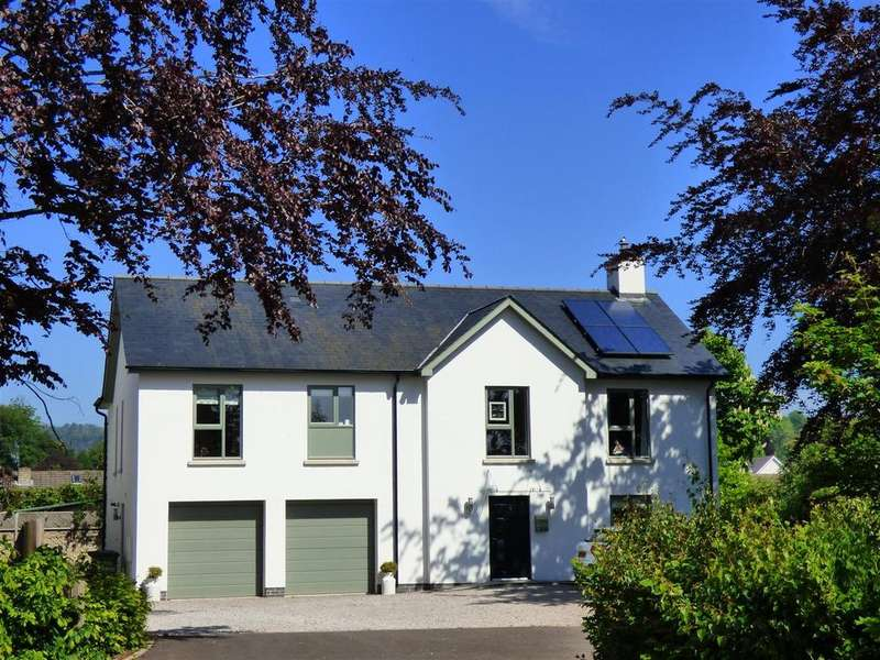 5 Bedrooms Detached House for sale in The Gardens, Tutshill, Chepstow